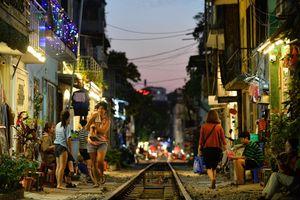 Tạp chí Mỹ xếp cafe đường tàu của Hà Nội vào danh sách không nên đến năm 2020