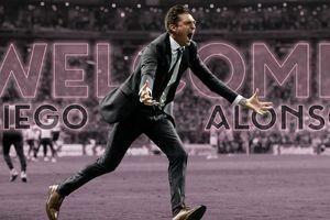 Vì sao ông bầu Beckham mời Alonso làm HLV trưởng?