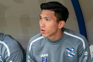 HLV cũ khuyên Heerenveen mua cầu thủ cùng vị trí với Văn Hậu