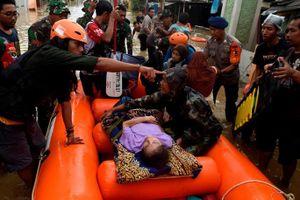 Mưa lũ kinh hoàng khiến hàng chục người thiệt mạng, mất tích ở Indonesia