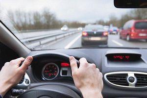 Nguyên tắc vàng cho tài xế lái xe ô tô vào giờ cao điểm