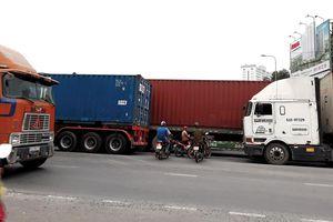 Cư dân khu Cát Lái 'khóc ròng' vì xe container