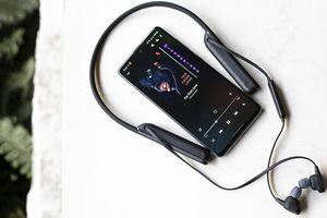 Dùng thử tai nghe Sony WI-1000XM2: Dành cho người mê nhạc hay di chuyển