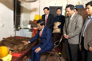 Giám đốc CATP Hà Nội chúc Tết Đại lão Hòa thượng Thích Phổ Tuệ