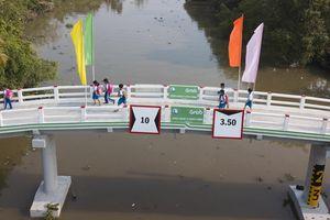 Cây cầu đầu tiên do người dùng Grab đóng góp xây dựng ở miền Tây