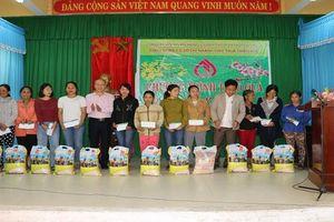 NHCSXH Thừa Thiên Huế mang xuân yêu thương đến với các hộ nghèo