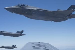 Mỹ điều 6 tiêm kích F-35 tới sát Iran lúc máy bay Ukraine bị bắn nhầm
