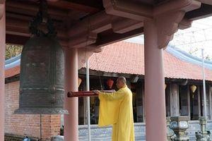 Hào sảng chuông chùa giữa Trường Sa