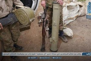 Phiến quân thu nhiều vũ khí, chiếm lại thị trấn từ SAA