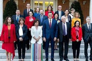 Nội các bình đẳng giới đầu tiên trong lịch sử Tây Ban Nha