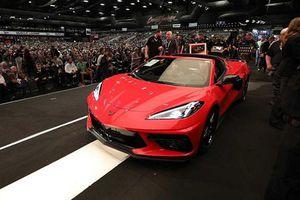 Chevrolet Corvette Stingray 2020 đầu tiên bán 69,2 tỷ đồng