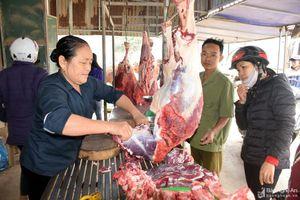 Nghệ An: 27 Tết, thịt bò, cá thu đua nhau tăng giá