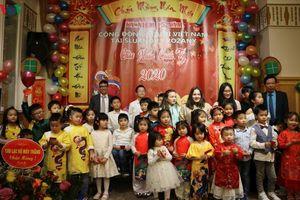 Chương trình chào xuân Năm mới của người Việt tại Sluknov