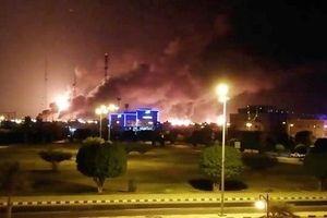 Nhà máy dầu Saudi lại hứng mưa tên lửa