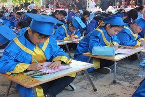 600 học sinh giỏi khai bút đầu xuân về 'Hải Phòng trong ước mơ của em'