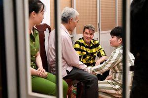 Sao Việt ngày 29/1: Đàm Vĩnh Hưng giúp nữ phạm nhân tù chung thân gặp gia đình