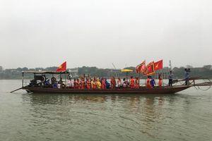 Độc đáo nghi lễ rước nước tại ngã Ba Hạc trong lễ hội đền Tam Giang, phường Bạch Hạc, thành phố Việt Trì