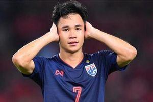 Không được fan ủng hộ, sao Thái Lan thất thế trên sân nhà