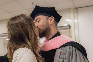 Justin Timberlake hôn vợ đắm đuối sau bê bối ngoại tình