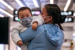 Tin tức thế giới 31/1: Virus corona có thể lây từ người sang người chỉ trong 15 phút