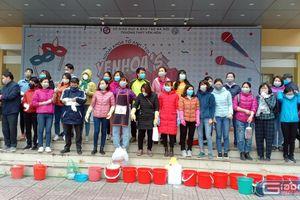 Toàn bộ giáo viên trường Yên Hòa tham gia phòng dịch corona