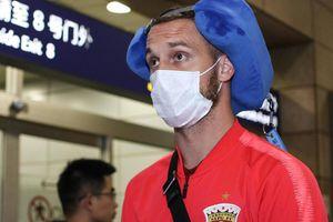 Cầu thủ Trung Quốc đầu tiên nhiễm virus corona