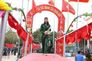 Nữ tân binh duy nhất tại Đắk Lắk nói gì trong ngày nhập ngũ?