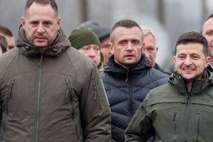 Hé lộ ràng buộc rối ren Mỹ- Ukraine từ quyết định sa thải Chánh văn phòng của Tổng thống Zelensky