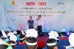 Cán bộ, đoàn viên Phú Tân thi đua lao động, sáng tạo
