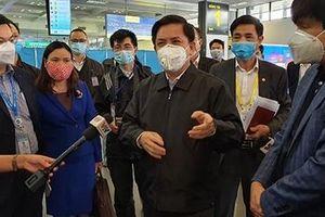 Nghiên cứu việc bắt buộc hành khách đi đến sân bay phải đeo khẩu trang
