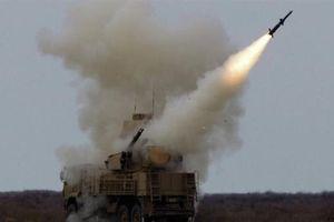 Phòng không Syria để lọt mục tiêu khi Israel không kích?