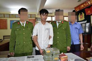 Công an Ninh Bình bắt đối tượng vận chuyển 12 bánh heroin