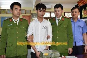 Đi máy bay từ Hà Nội vào Kon Tum 'ôm' 12 bánh heroin về Ninh Bình tiêu thụ