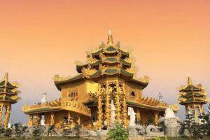 Ngôi chùa 'dát vàng' được mệnh danh 'chùa vàng Thái Lan' ở Việt Nam