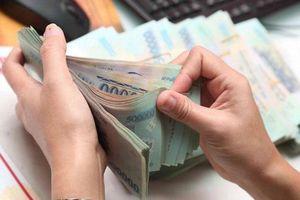 Phạt tiền nhiều cá nhân, doanh nghiệp vi phạm trong lĩnh vực chứng khoán