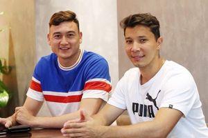 Văn Lâm cùng bạn gái nấu ăn, tiễn HLV thể lực riêng về Nga