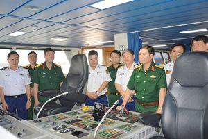 Bộ Quốc phòng thăm, làm việc tại BTL Vùng Cảnh sát biển 2