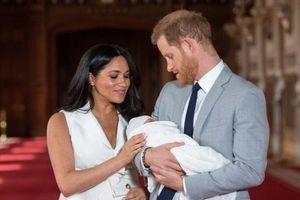 Harry và Meghan nên cho con học trường nào sau khi rời Hoàng gia Anh
