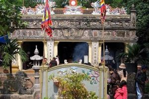 Đến Kỳ Ninh nghe chuyện ngôi đền thờ người vợ hiền, vợ giỏi