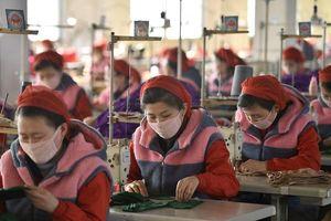 Triều Tiên 'khoe' tạo ra khẩu trang và xà phòng mới ngăn ngừa COVID-19
