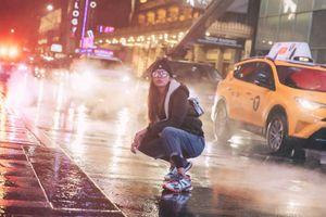 Minh Tú biến hóa sành điệu trong bộ ảnh street style ở trời Tây