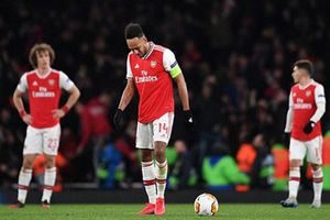 Aubameyang dằn vặt về pha bỏ lỡ 'thổi bay' Arsenal khỏi Europa League