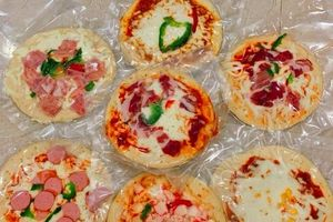 Ăn pizza 6 tháng không hỏng, uống nước ngọt hết date cả năm