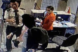 Nữ hành khách cắn nhân viên hàng không tại sân bay Tân Sơn Nhất bị xử phạt