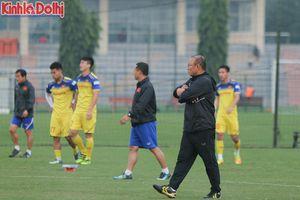 Hết Duy Mạnh đến Văn Hậu chấn thương, bài toán nào cho thầy Park về hàng thủ tuyển Việt Nam?