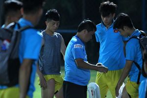 Bác sĩ Đức chê phương pháp hồi phục của cầu thủ Việt