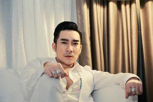 Quang Hà bị hủy 21 show chỉ sau một tháng