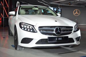 Mercedes-Benz C 180 có giá 1,399 tỷ tại VN, đối đầu cả Camry và Accord