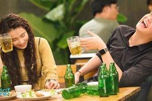 Quy định hạn chế sử dụng hình ảnh rượu bia trong phim: Có 'làm khó' nghệ sĩ?