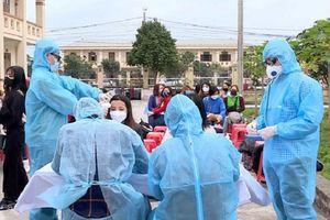 Hà Nội bảo đảm cung ứng đủ quần áo chống dịch dùng một lần phục vụ điều trị Covid-19